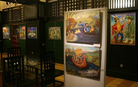 Экспозиция выставки в Арт-центре «Артефакт»