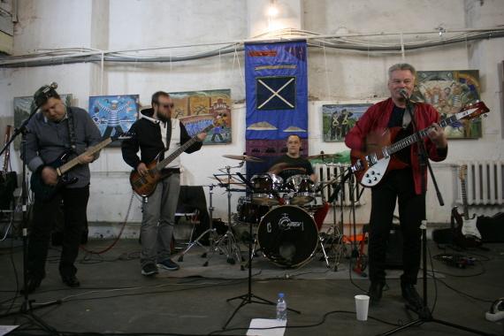 Концерт на вернисаже выставки