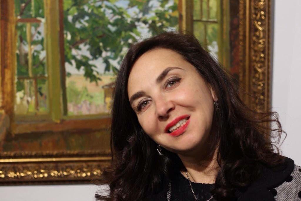 Любовь Агафонова - создатель галереи Веллум